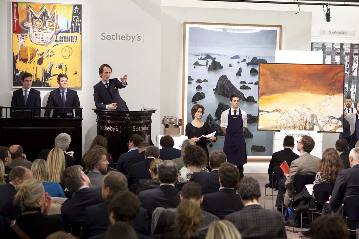 Curso2-A-scene-from-Sothebys-Evening-Contemporary-Art-Auction-Sale.-Image-via-antiquesandartireland.com_